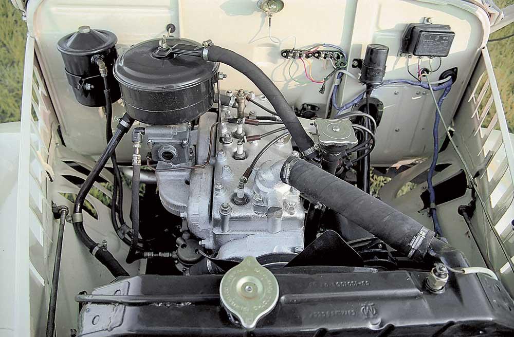 стоит двигатель ЗМЗ-21А,