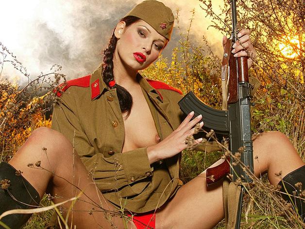 эротика русские девушки в военной форме