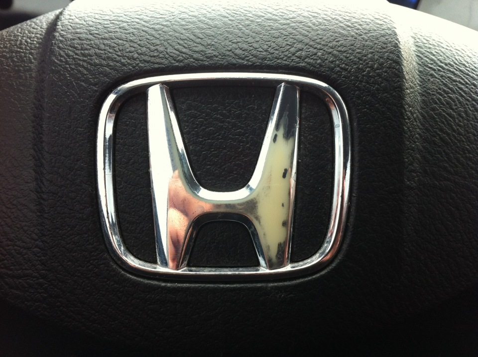 honda civic 4d шильдик в руль